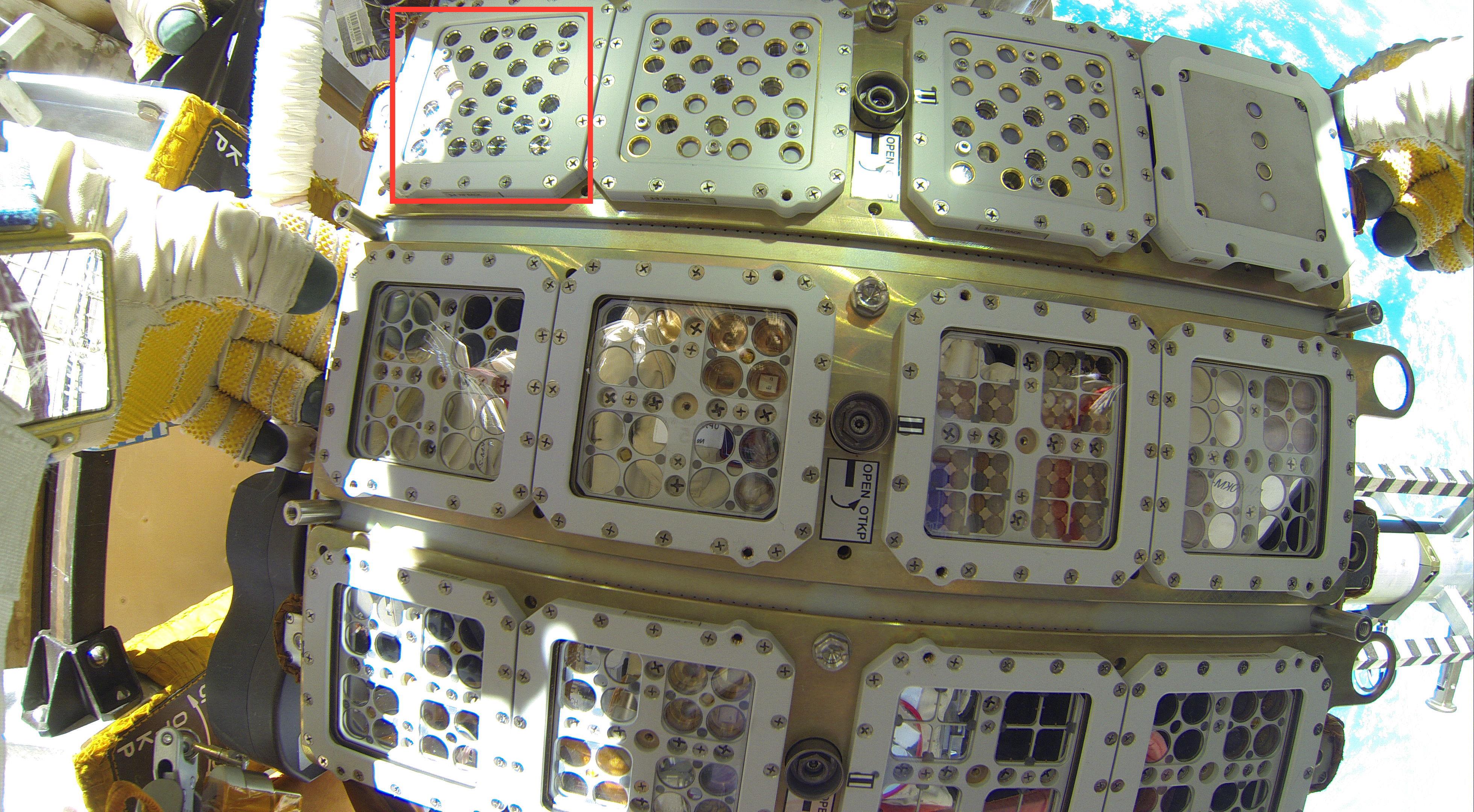 Etude de la résistance d'une biopuce placée à l'extérieur de la Station Spatiale Internationale